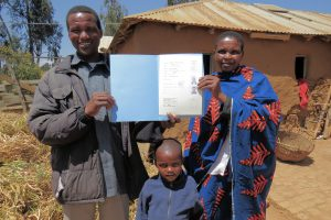 Farm Africa - Katarina & husband Simon with their land mapping certificate