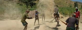 Cleaning teff in Ethiopia © Marc van der Sterren | Farming Africa