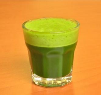 wheatgrass juice. Gezonde voor hippe westerlingen en Afrikaanse koeien